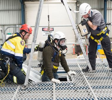 confined-space-rescue-training